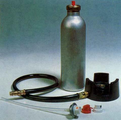Stříkací tlaková láhev s plnícím stojanem